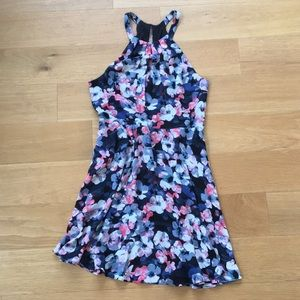 Express floral print fit and flare Sz 8 EUC